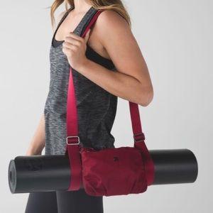 Lululemon essentials mat carrier